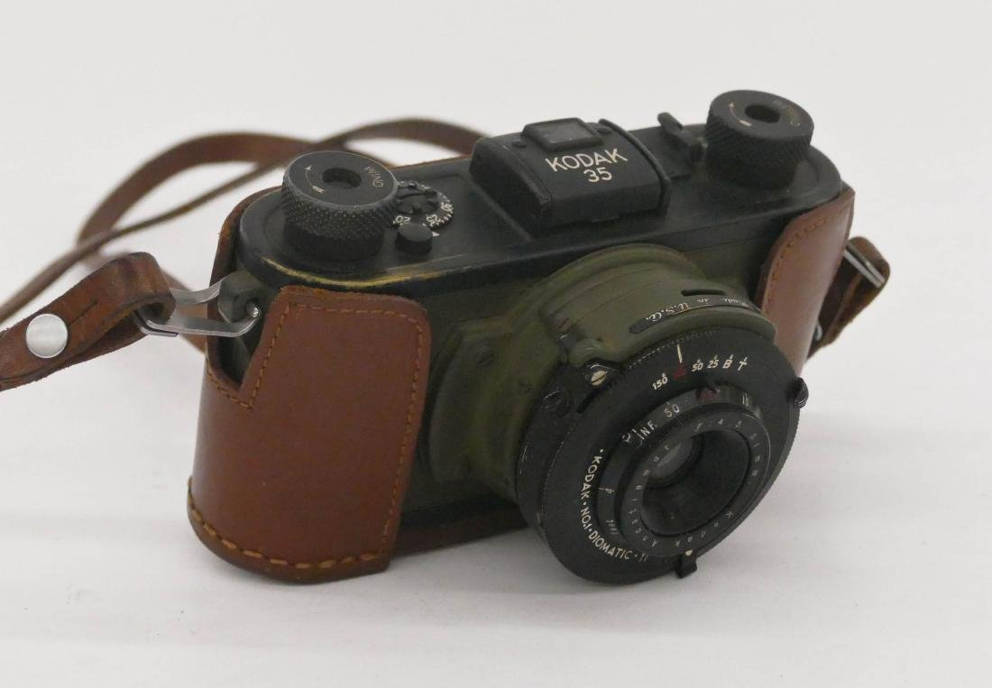 WWII Kodak 35 Army Signal Corps Camera. Military issue - 4