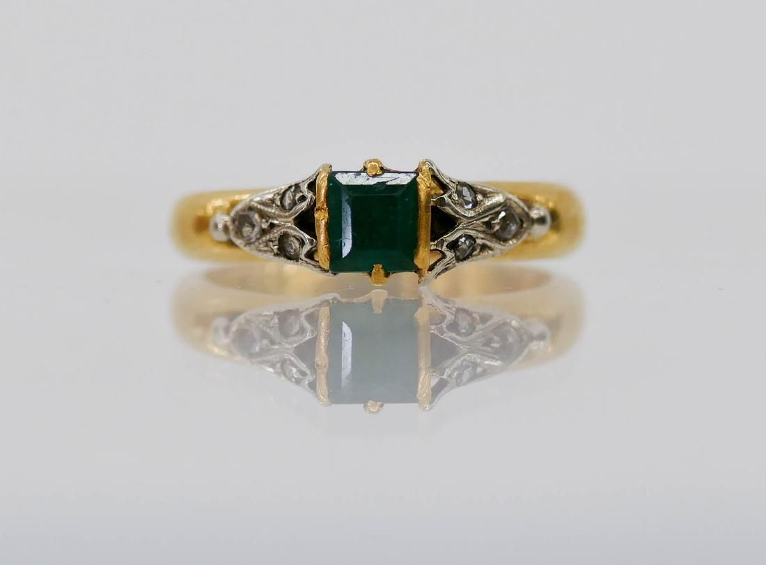 Swedish Lady's 23k Emerald & Diamond Ring Size 5.5.