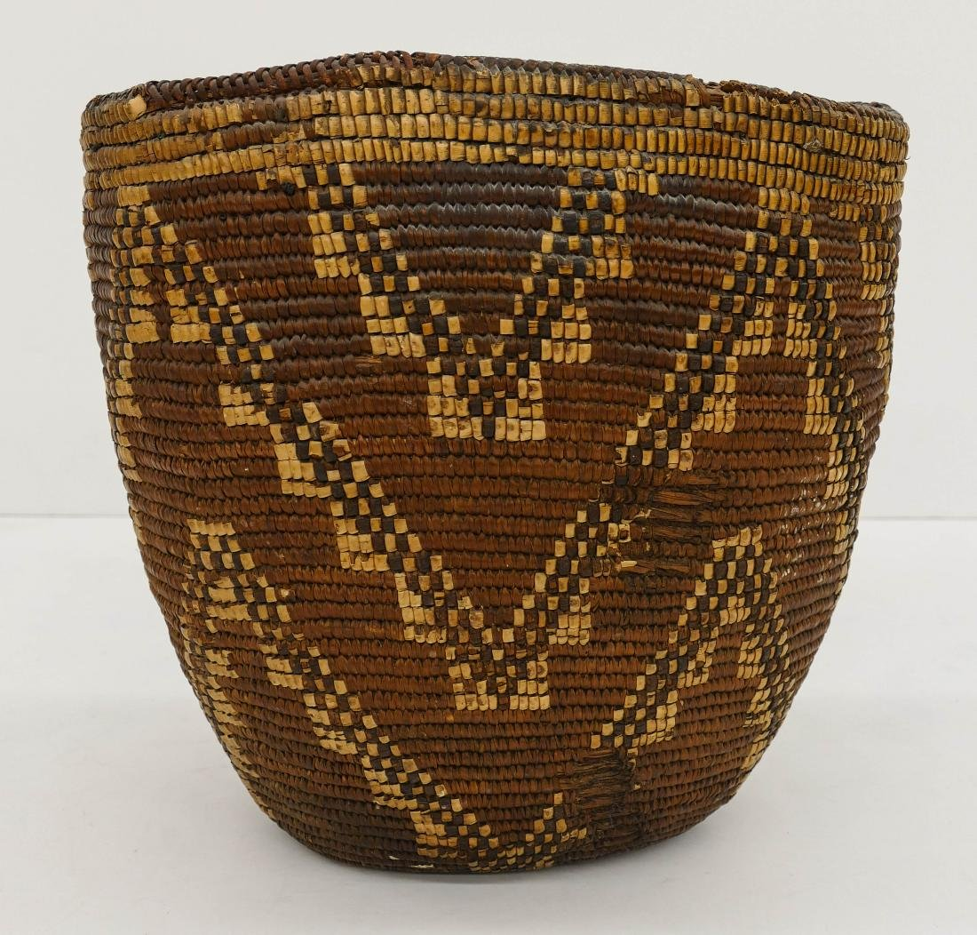 Antique Klickitat Large Indian Basket 14''x14''. A