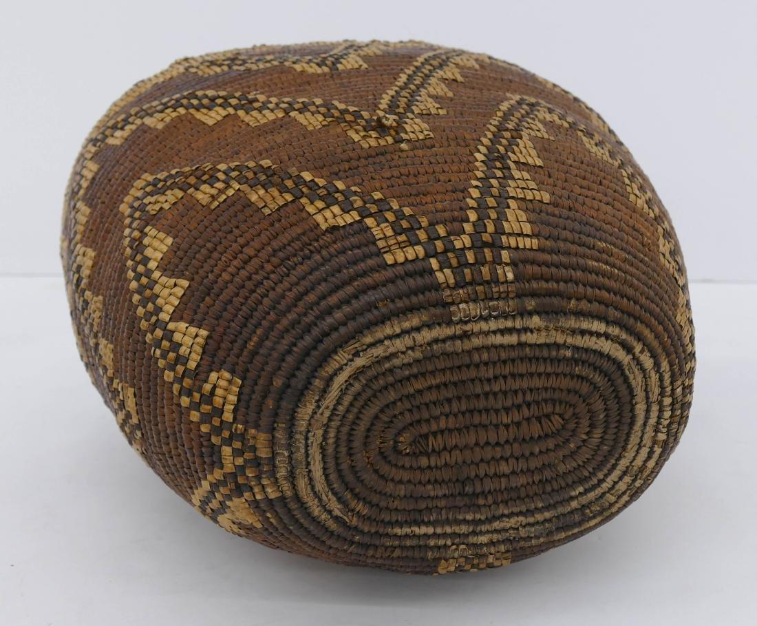 Antique Klickitat Large Indian Basket 14''x14''. A - 4