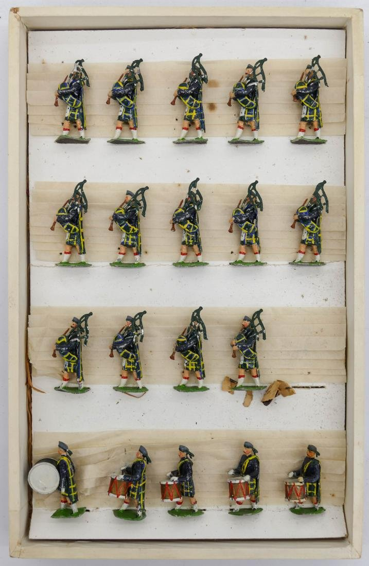 Antique Haffner Scottish Bagpipers Toy Soldier Set in - 2