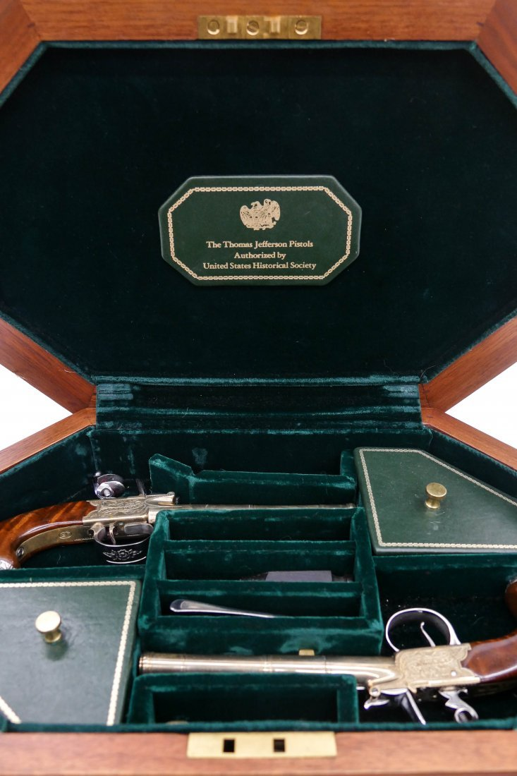 Thomas Jefferson Dueling Pistols Commemorative Set in P - 3