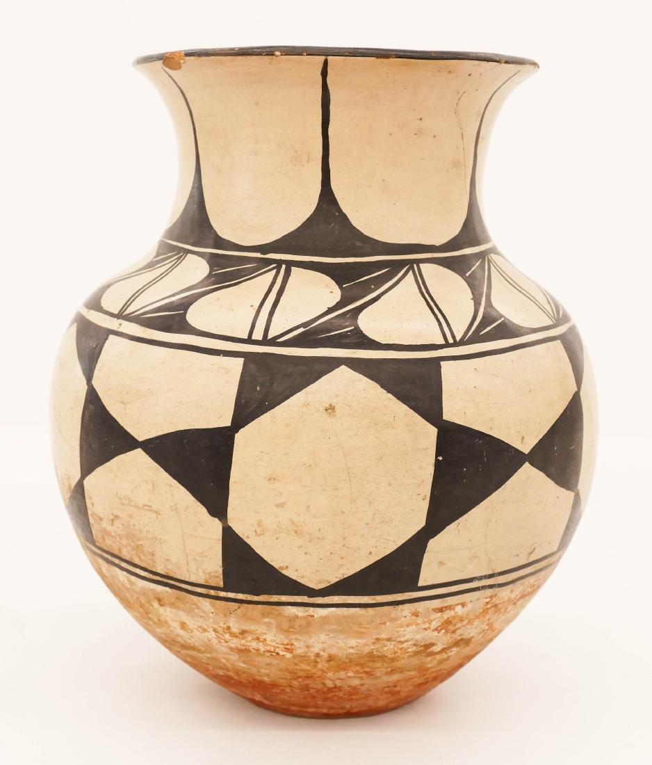 Old Santa Domingo Polychrome Pottery Jar 11''x9''.