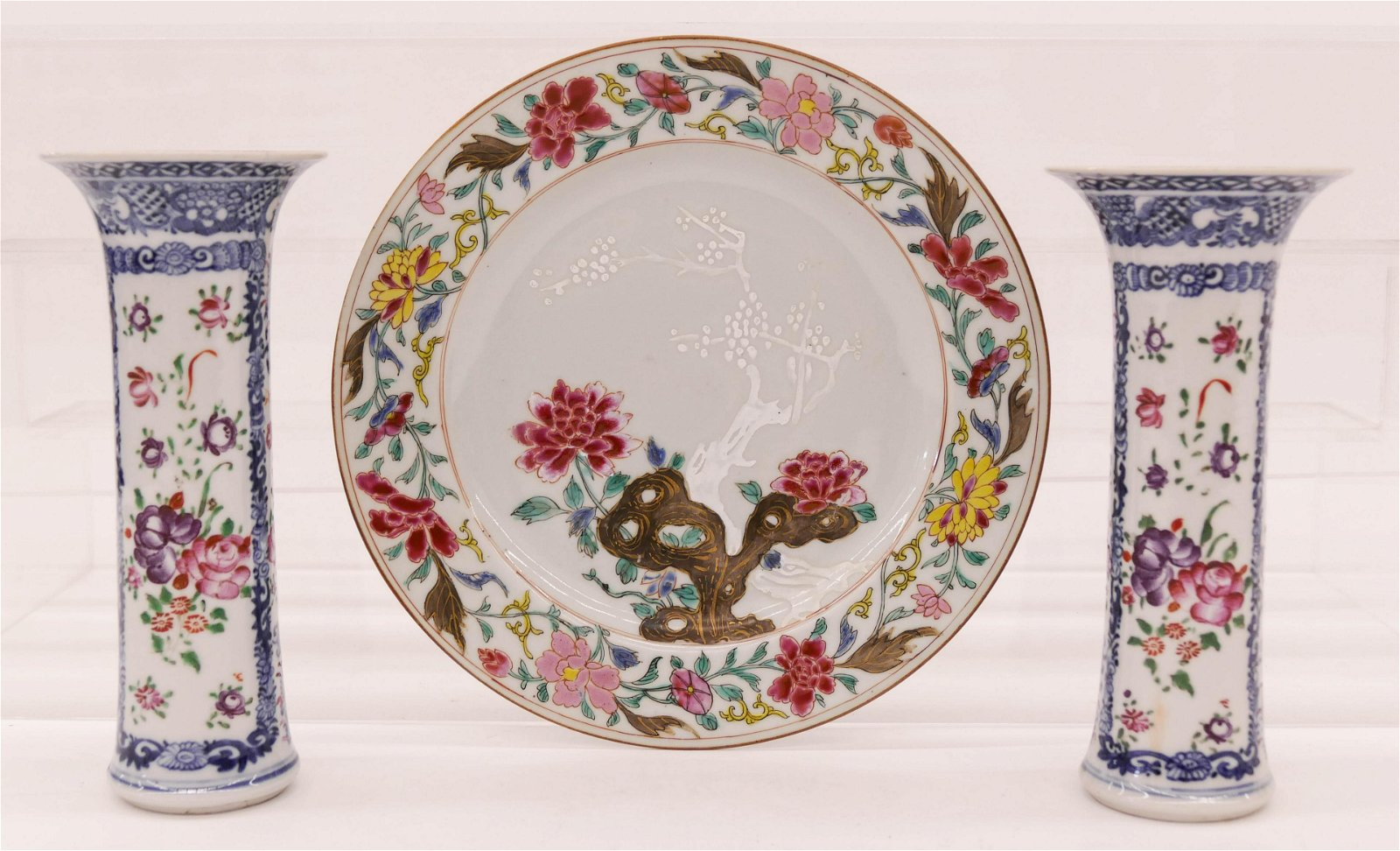 3pc Chinese 18th Cent. Export Porcelain Vases & Plate.