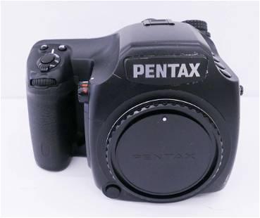 Pentax 645D Medium Format Digital SLR Camera Body