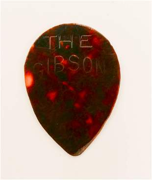 GIBSON CELLULOID 'THE GIBSON' GUITAR PICK, 1910'S