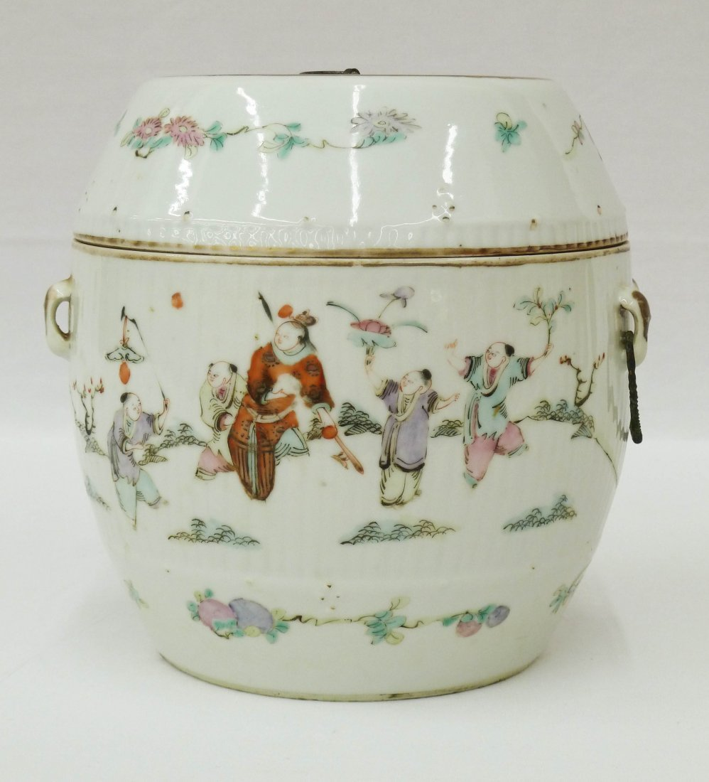 114: Chinese Famille Rose Cylindrical Covered Porcelain
