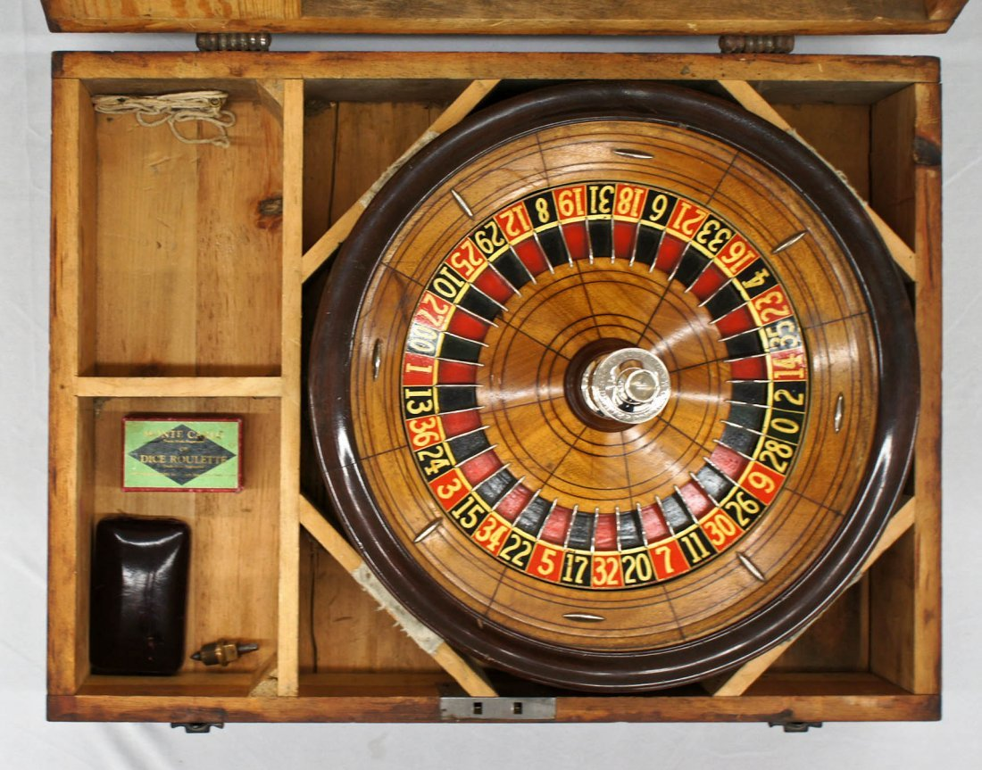 George Mason & Co Table Top Roulette Wheel Set