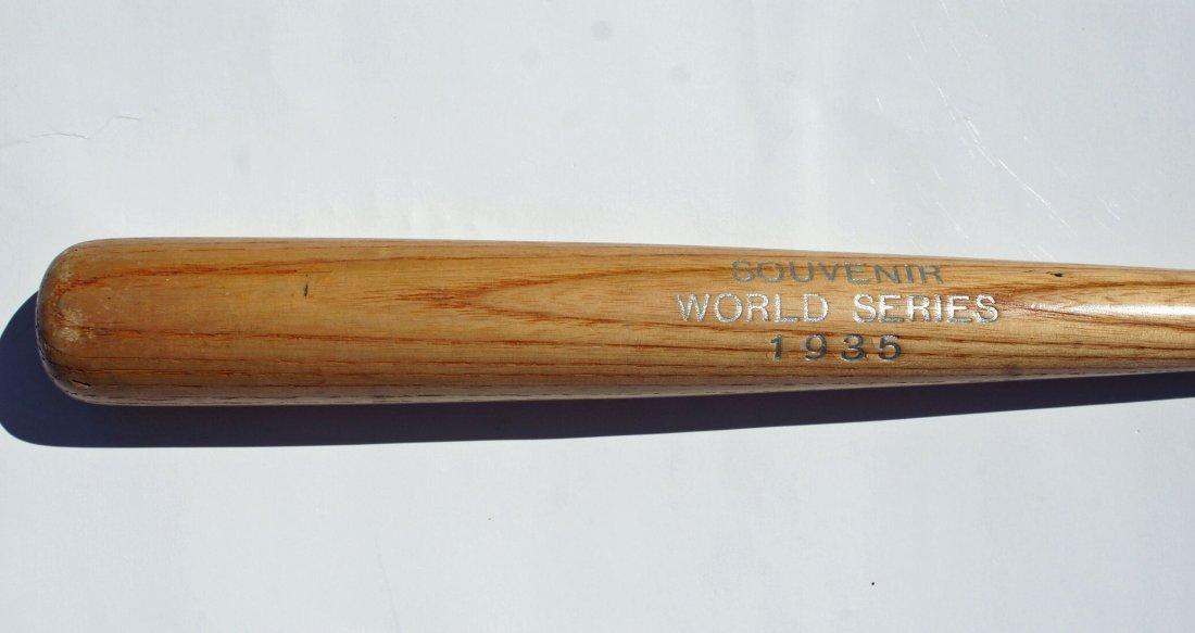 1935 World Series Souvenir Mini Bat 18''. EX-MT - 2