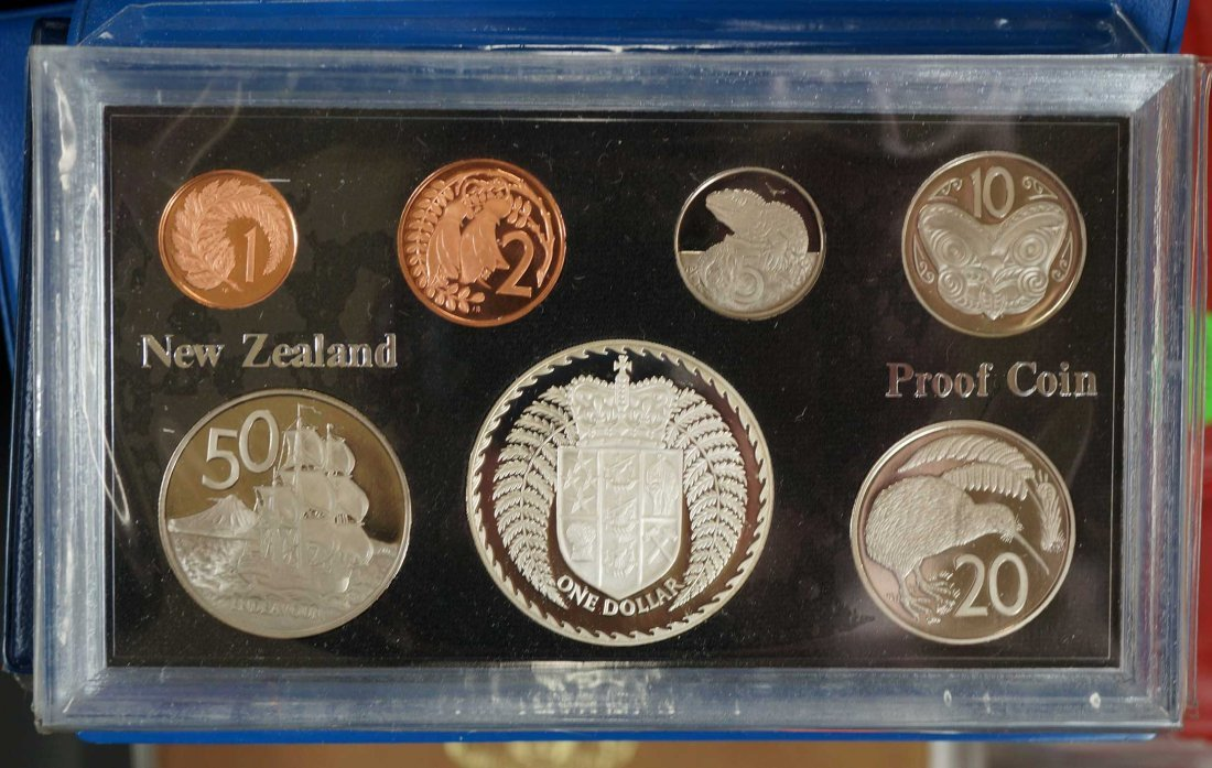 New Zealand (44) Proof Coin Sets, Commemorative Sets, - 4