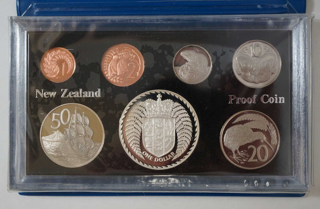 New Zealand (44) Proof Coin Sets, Commemorative Sets, - 5