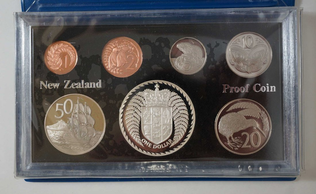 New Zealand (44) Proof Coin Sets, Commemorative Sets, - 6