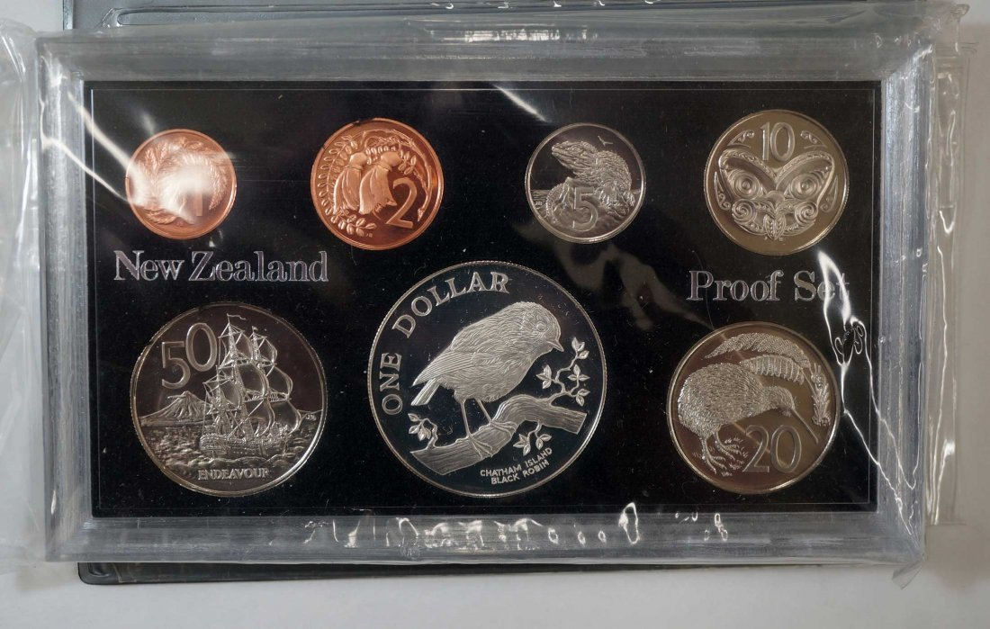 New Zealand (44) Proof Coin Sets, Commemorative Sets, - 8