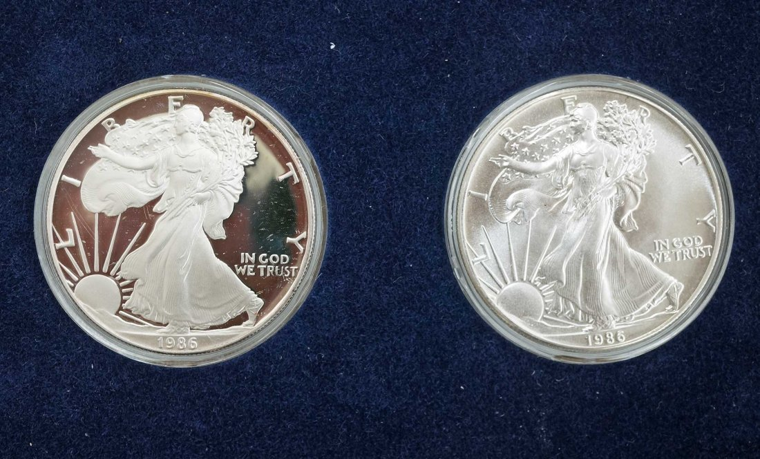 Two Sets of 1986 Silver American Eagles. Pairs include