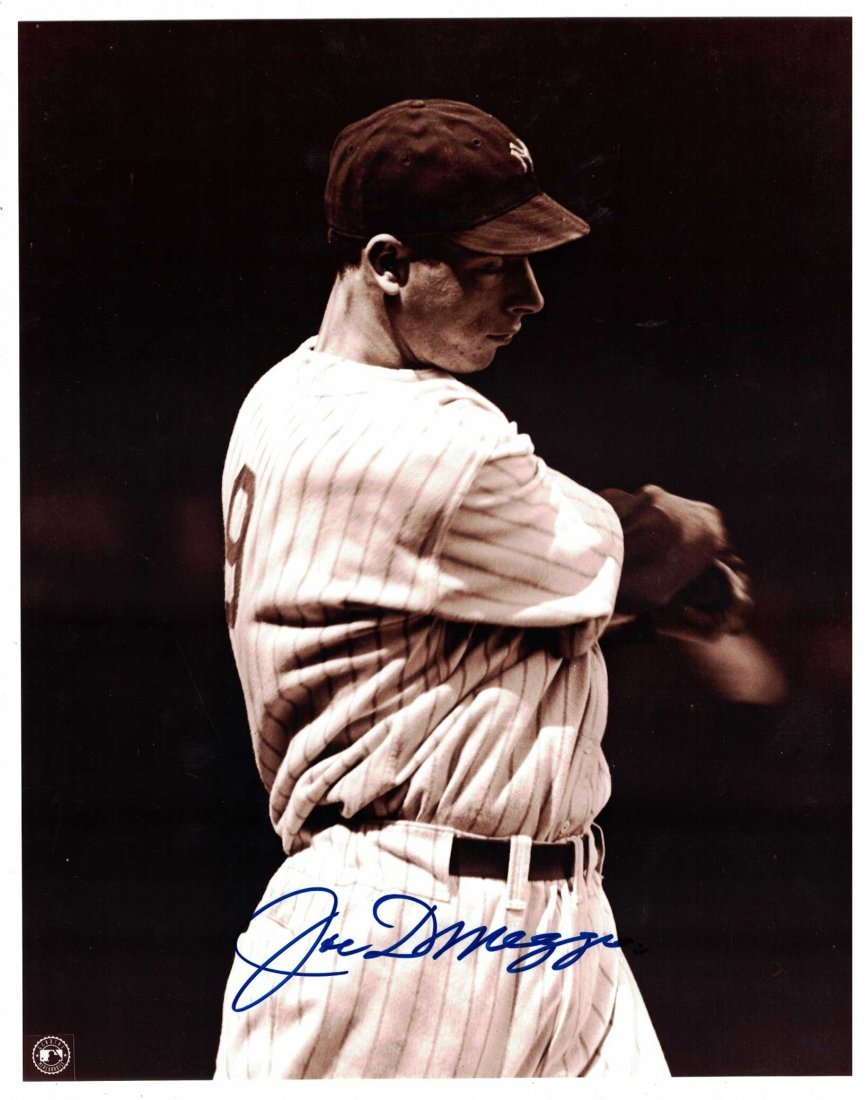Joe Dimaggio Signed Photograph. Unframned, 10'' x 8'', - 3