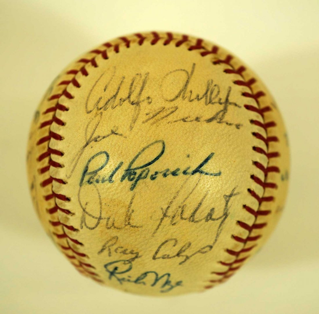 1967 Chicago Cubs Team Signed Baseball. Ball contains - 4