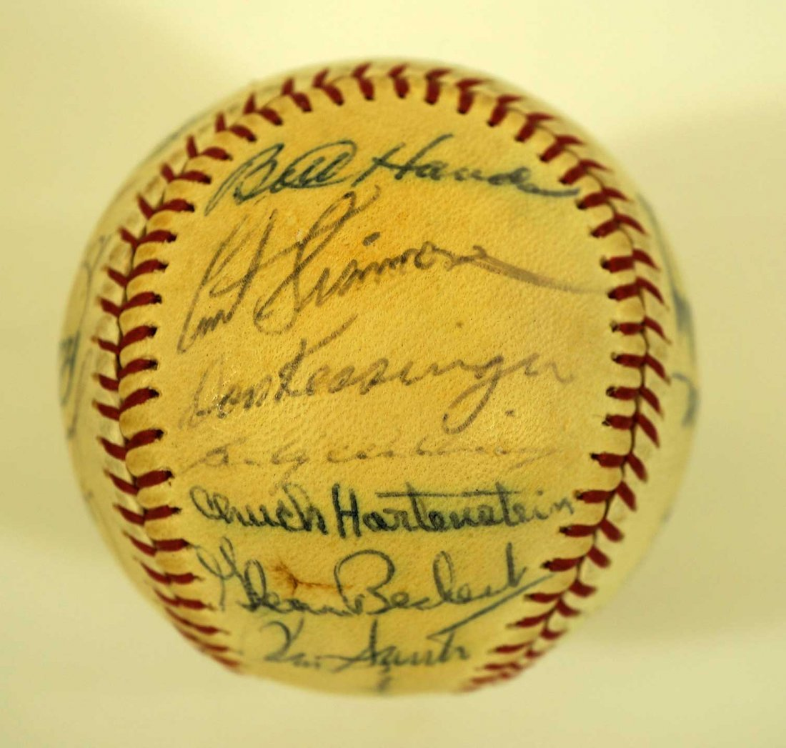 1967 Chicago Cubs Team Signed Baseball. Ball contains - 5