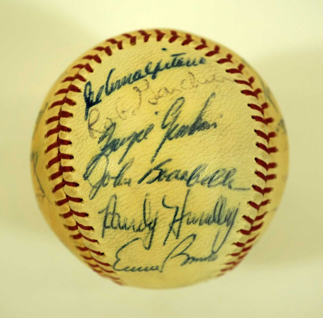 1967 Chicago Cubs Team Signed Baseball. Ball contains - 6