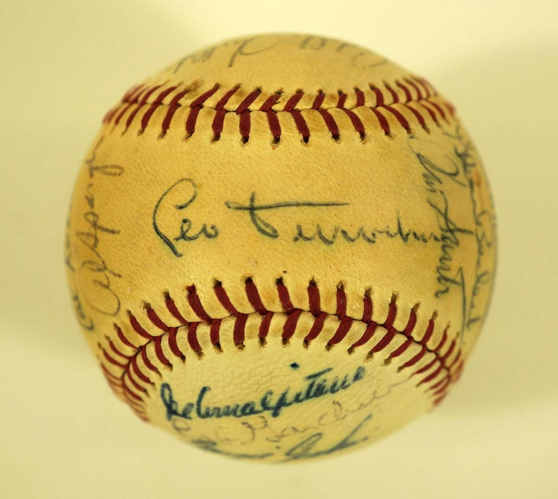 1967 Chicago Cubs Team Signed Baseball. Ball contains - 7