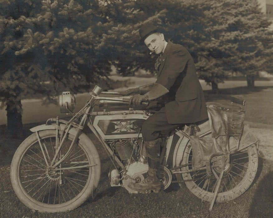 Excelsior Autocycle Early Motorcycle Photograph. 7.5''