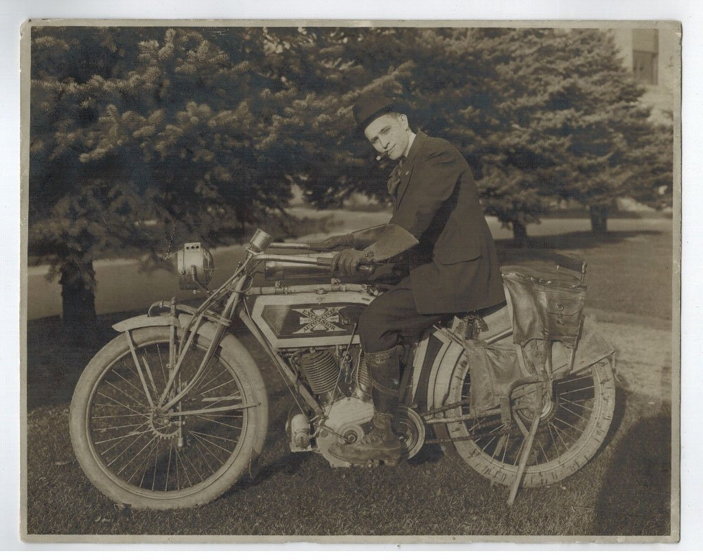 Excelsior Autocycle Early Motorcycle Photograph. 7.5'' - 2