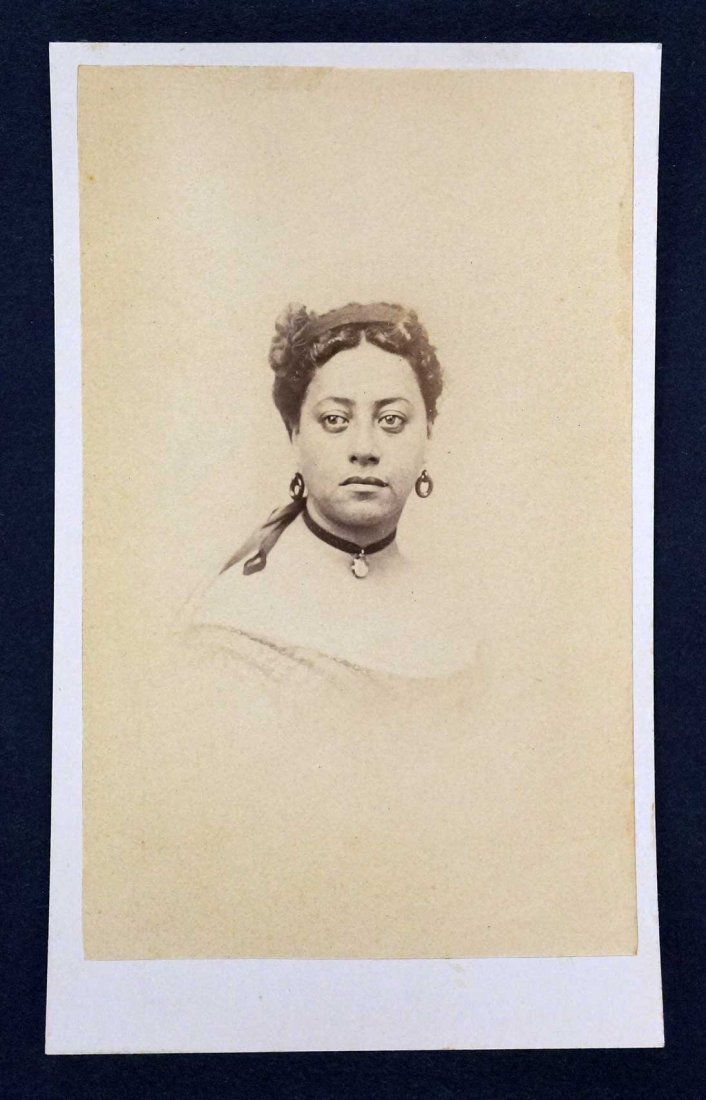 Queen Emma Consort to Kamehameha IV Hawaiian CDV Carte