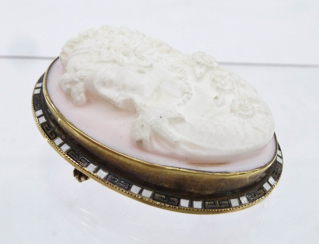 Victorian 14k Carved Cameo Brooch 2.25''x1.75''. A deep - 2