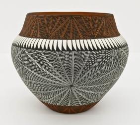 Corrine Chino Acoma Large Pottery Pot 9''x10''. Fine