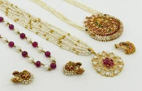 Group India 22k Gold Wedding Jewelry. Includes a