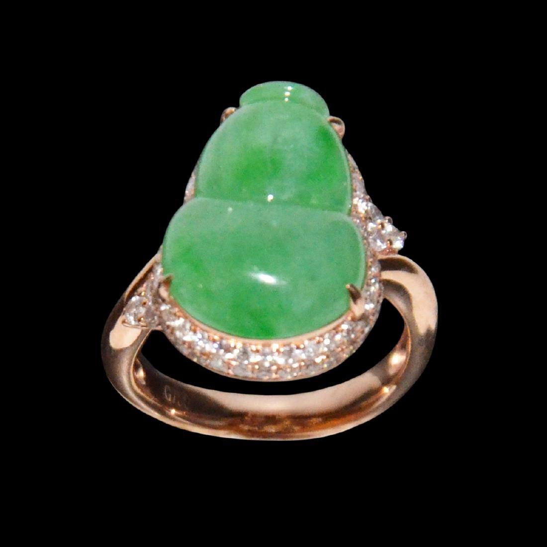 A Jadeite Diamond Ring Set with Rose Gold