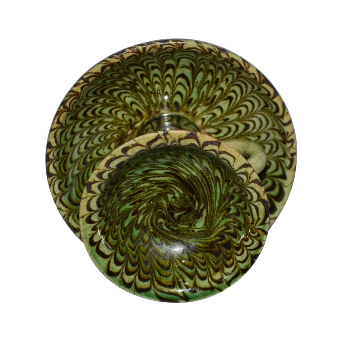 Song, A Rare Green-Glazed Marbled Pottery Lamp with - 6