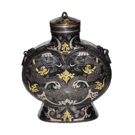 Warring States, A gold and Silver Inlaid Flask with