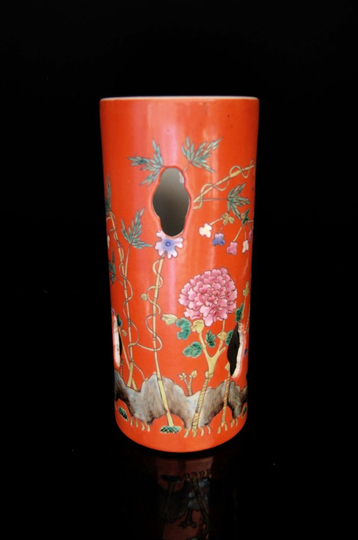 Famille-Rose Red-ground Cylindrical Floral Hat-Stand