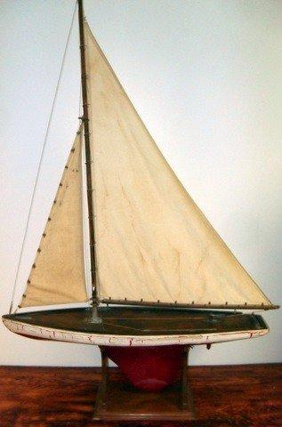 39: 1900s Pond Sailing Yacht