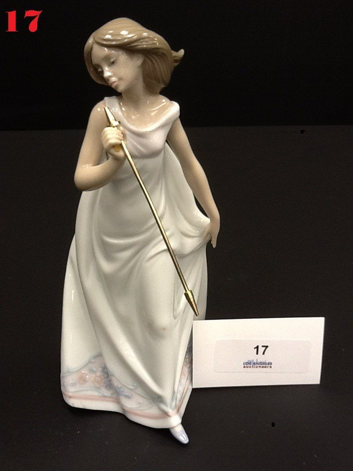17: Lladro Woman Porcelain Figurine