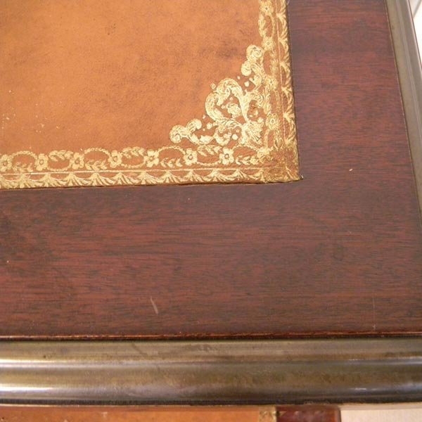 138: 1960's French, Louis XVI writing desk. - 3