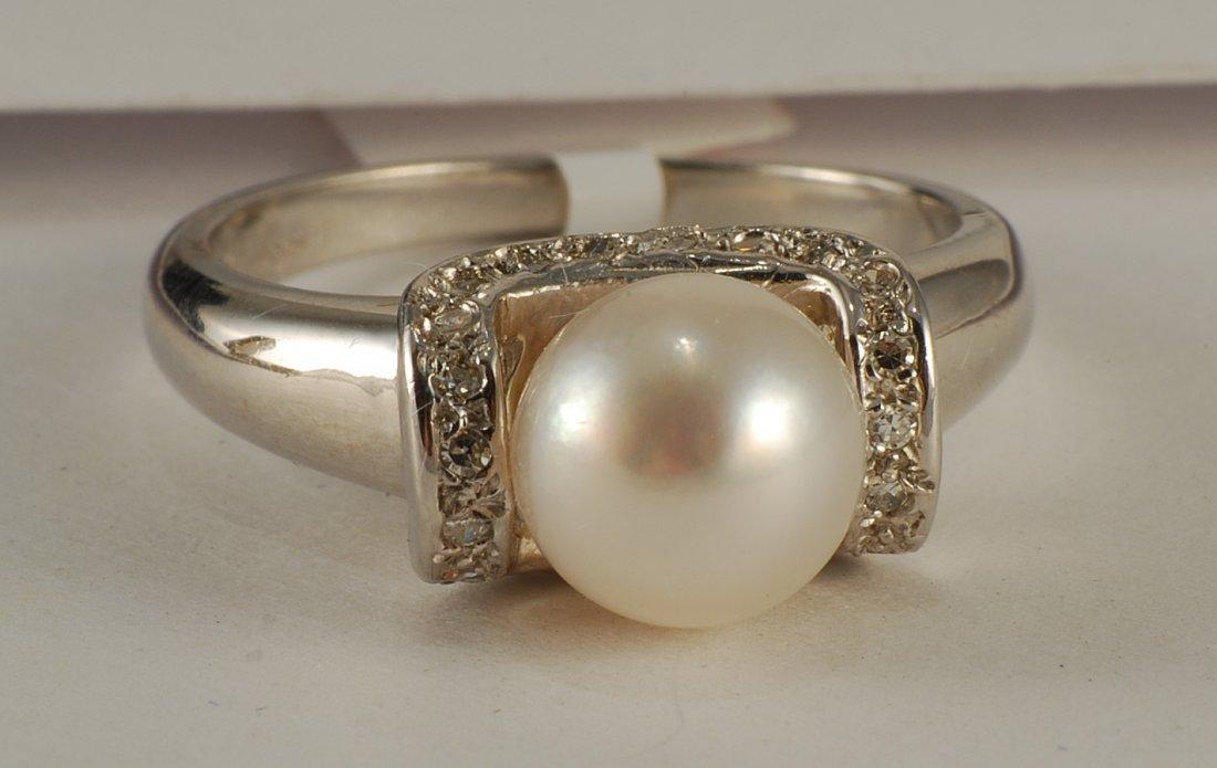 0.25 ctw Diamond & S.S. Pearl Ring set in 14K White Gol