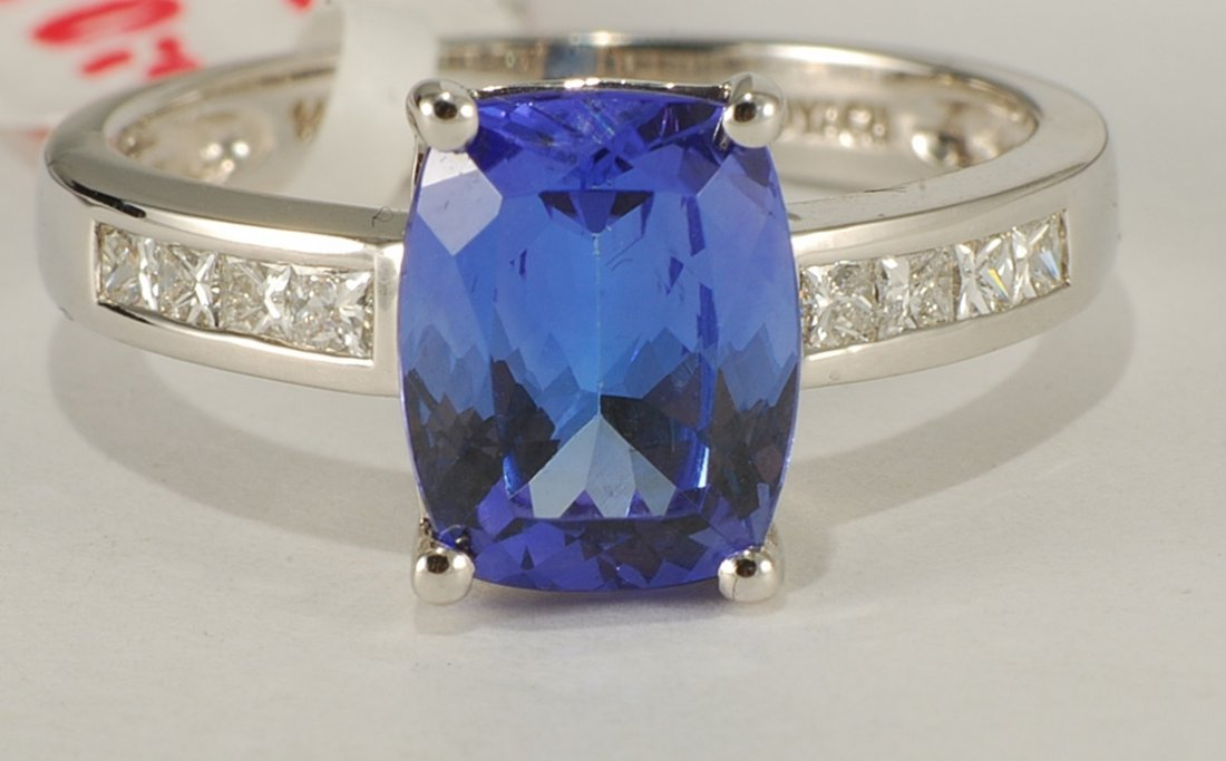 3.06 ctw Tanzanite & Diamond Ring