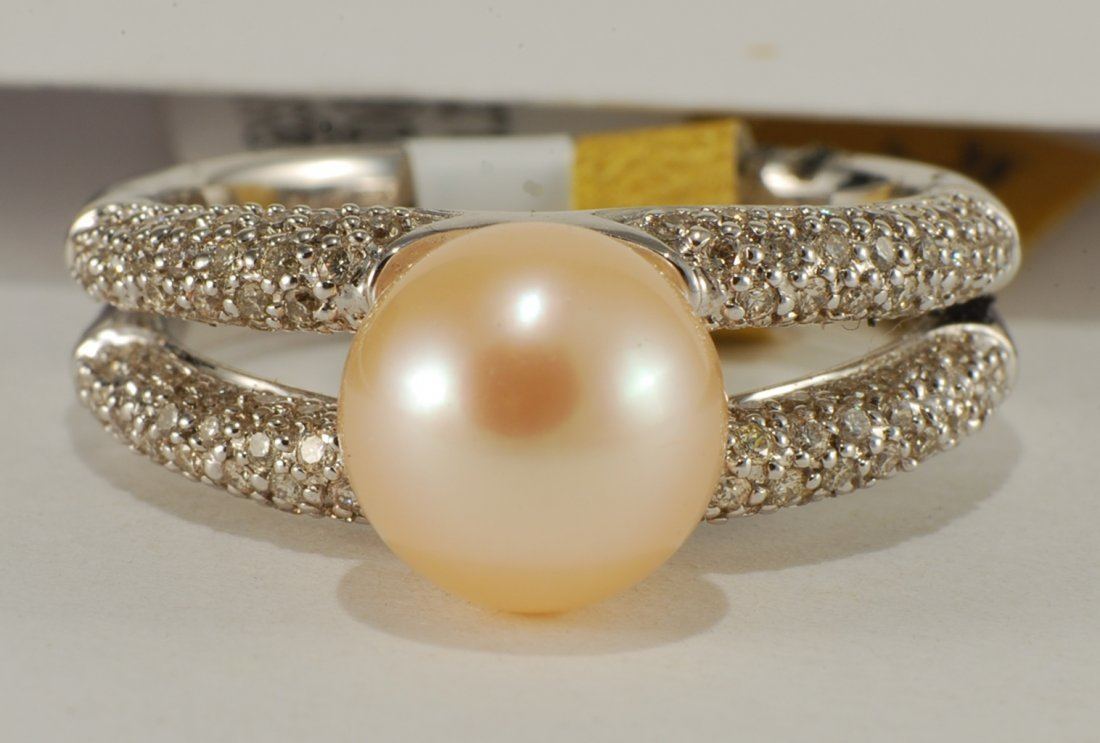 0.42 ct Diamond & Pearl (4.26) set in White Gold Ring
