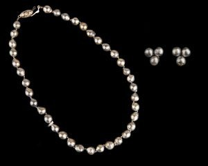 Cultured Pearl 8.00mm Necklace and Earring Set