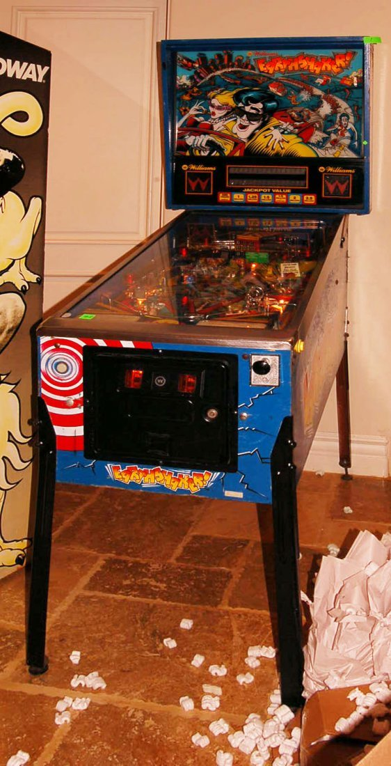 "Williams Pinball Arcade Game ""Earthshaker !"""