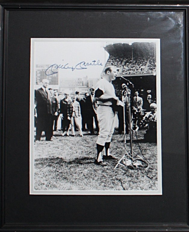 Mickey Mantle signed photo with cert Mickey Mantle