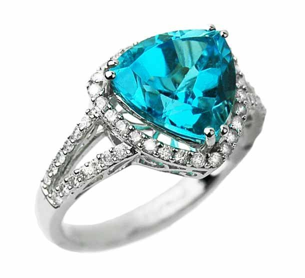 0.38ct Diamond & 3.95ct Blue Topaz Ring 14K