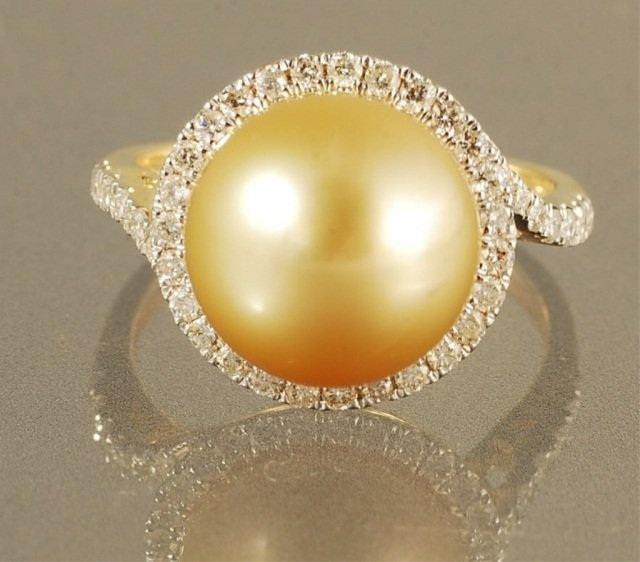 11.03  PEARL & DIAMOND RING