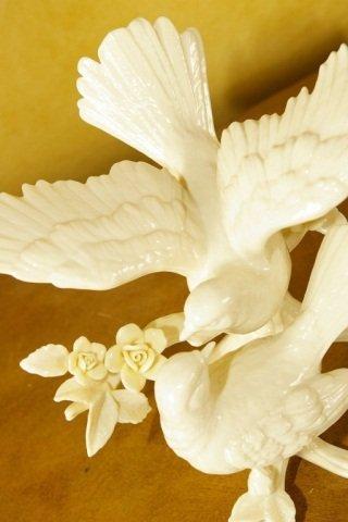 Lenox - Wedding Promises - Dove Cake Topper - 2