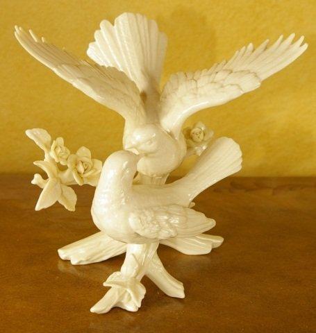 Lenox - Wedding Promises - Dove Cake Topper - 4