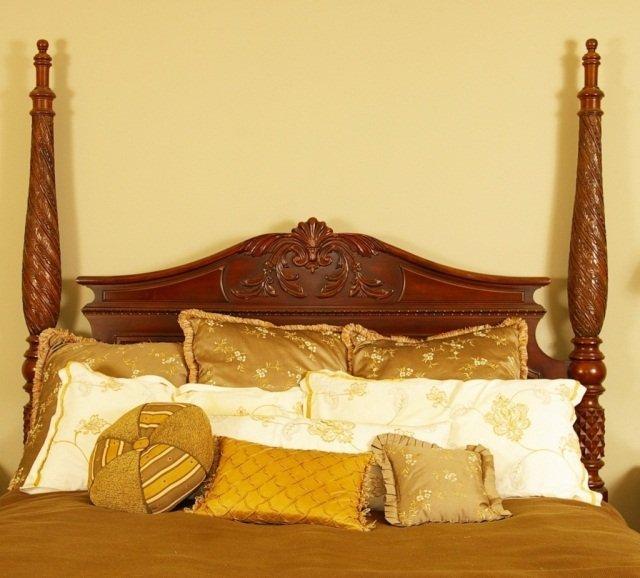 Bernhardt Belmont King Poster Bed & 2 Night Stands - 2