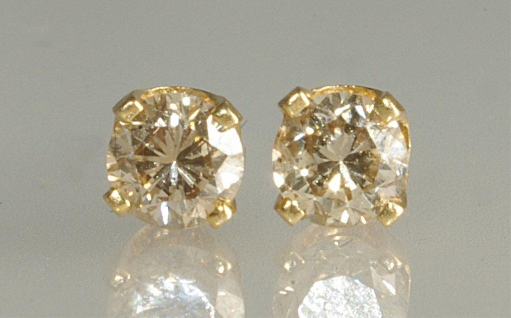0.25ct Diamond Stud Earrings set in Yellow Gold