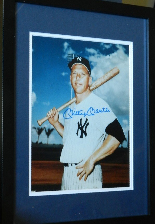 120: Signed Mickey Mantle Yankees Photo