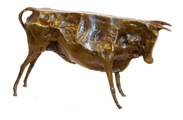 17: BRONZE BULL SCULPTURE, AFTER PICASSO